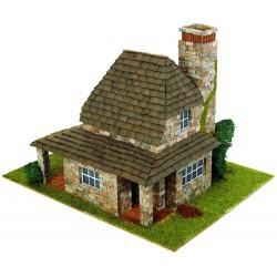 Domek z kominkiem z cegły